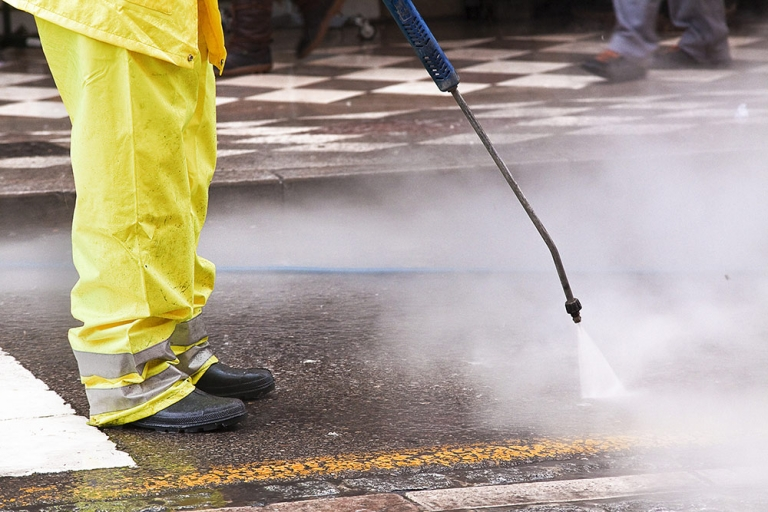 High pressure cleaning – commercial & industrial uses